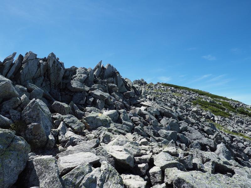 立山を登る3