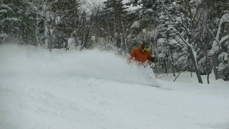 昨日は滑ってきました!